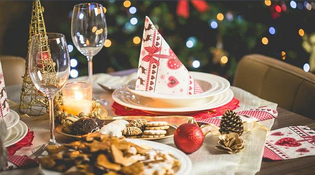 Jak udekorować stół na święta