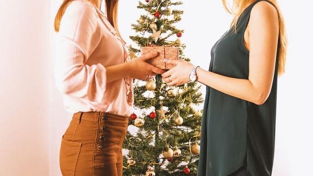 dawanie sobie prezentów