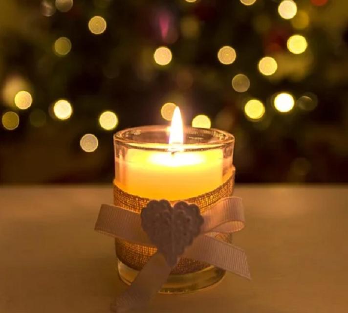 paląca się świeczka DIY