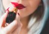 czerwona szminka
