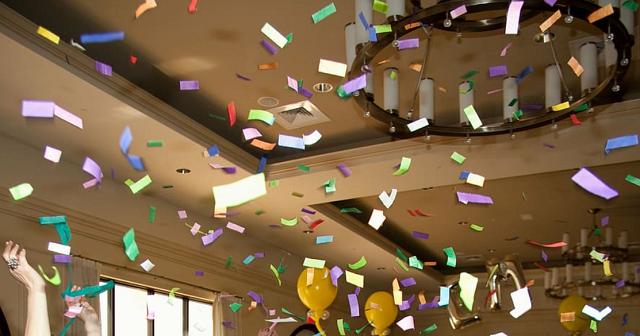 konfetti w mieszkaniu