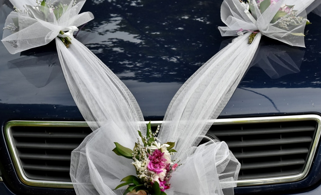 kwiaty na samochodzie