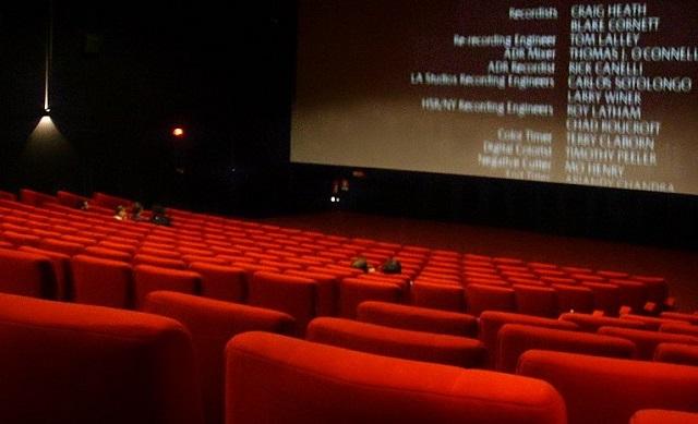 duża sala kinowa