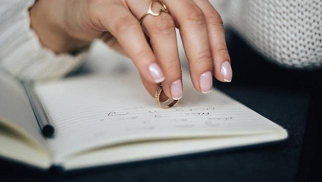 ręka przyszłej żony