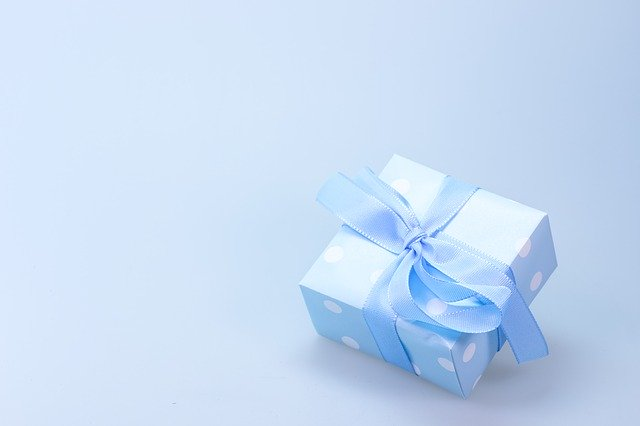 prezent dla chłopca na komunię