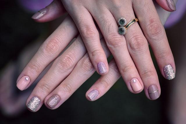 paznokcie po hybrydzie