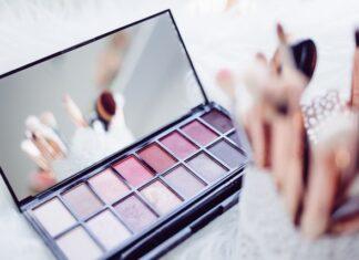 prezent dla fanki makijażu