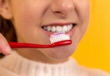 Soda oczyszczona a mycie zębów