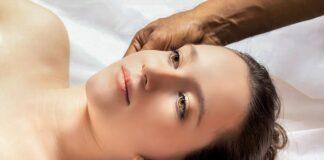 masaż na poprawę owalu twarzy
