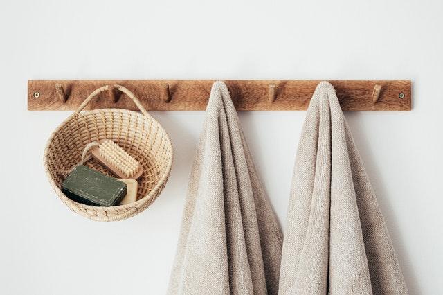 Czy warto szczotkować ciało na sucho?