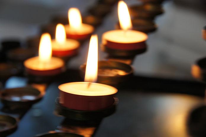 Kompleksowe usługi pogrzebowe pomagają przejść przez najtrudniejsze chwile w życiu