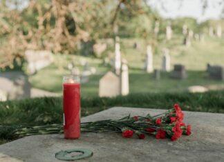 jak usunąć wosk z pomnika